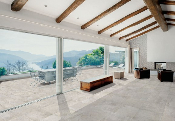 INDOOR: FLOOR MARVEL WHITE RETTIFICATO 60x60 - WALL: MARVEL MIX MOSAICO 30x30 -- OUTDOOR: GRIP RUSTIC MARVEL WHITE 49x49 / GRIP RUSTIC MARVEL WHITE 32,5x49 / GRIP RUSTIC MARVEL WHITE 32,5x32,5