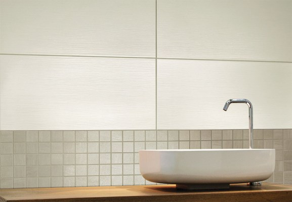 Side bianco 32,5x65 / Forest grey mosaico 30x30